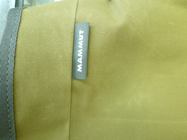 マムートから、新作バッグ!_d0198793_1852818.jpg