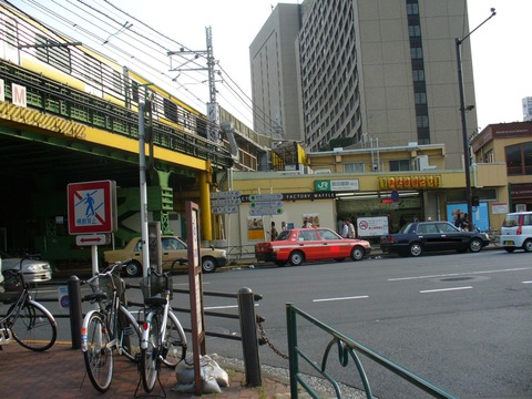 大江戸線飯田橋_f0322193_11282019.jpg