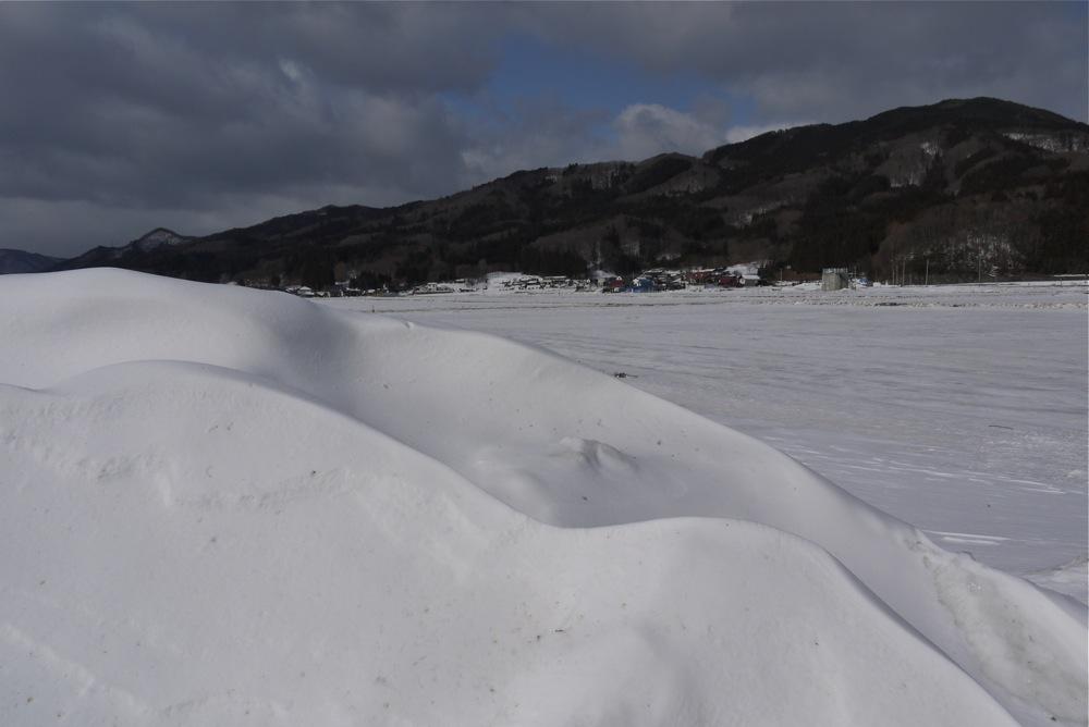 雪山の向こうの山_d0001843_11194041.jpg