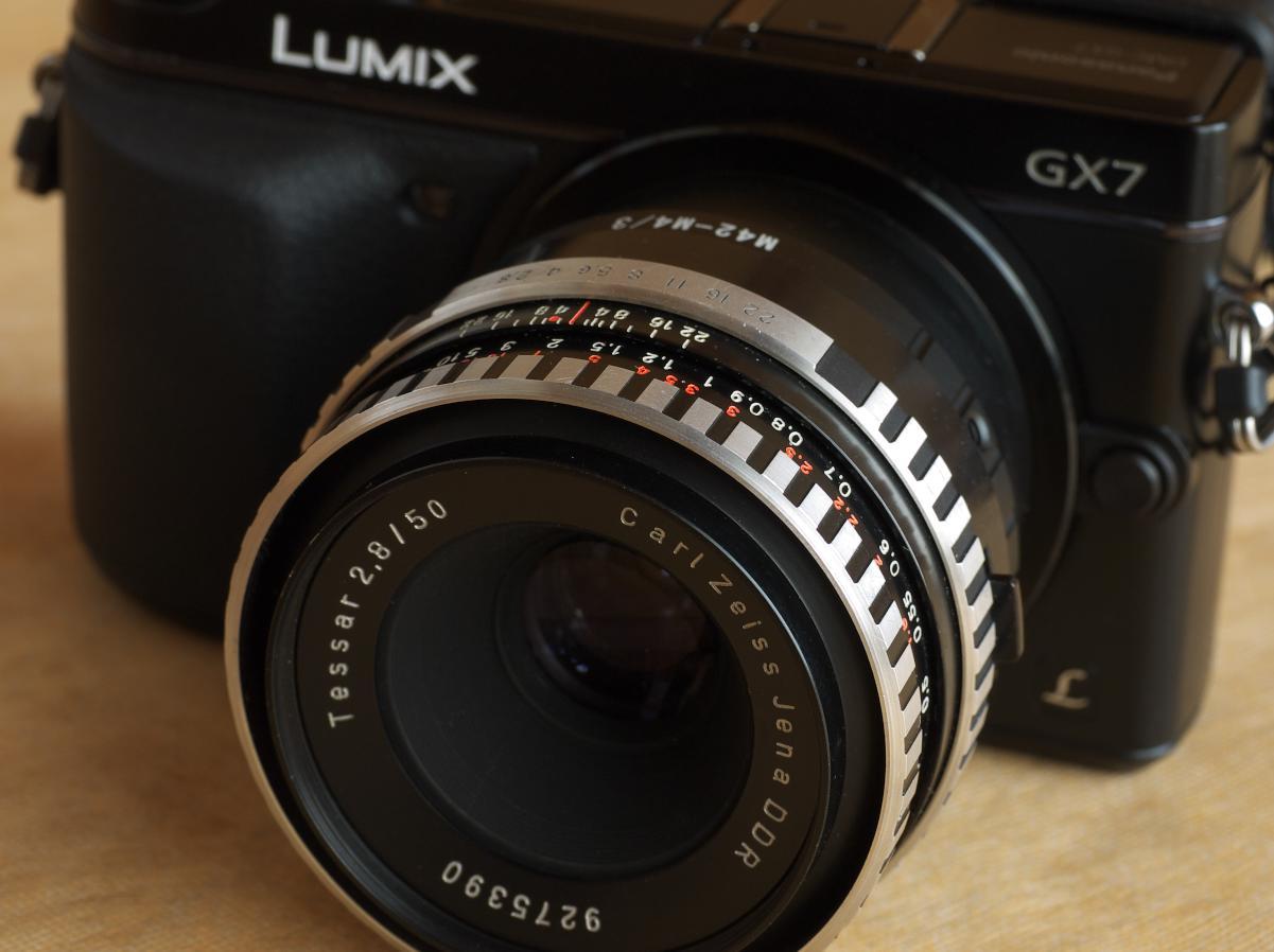 Tessar 50mm F2.8 (ゼブラ模様) 鉄人28号_b0161171_21154729.jpg