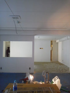 壁、床、ペンキ塗り_b0322280_17333754.jpg