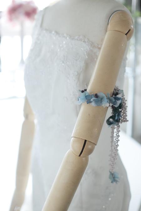 お色直しの小さな花飾り アームレット:腕につける花_a0042928_9593725.jpg