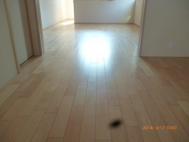 床暖房施工完了 仕上げのフローリング貼りも完了_e0207151_16375835.jpg