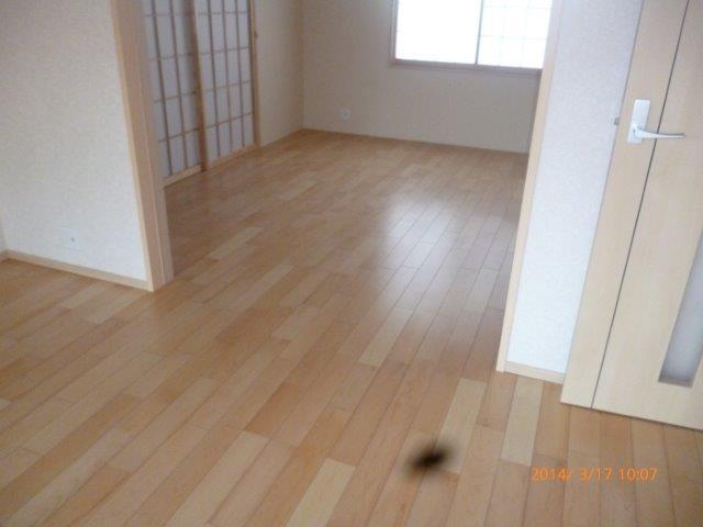 床暖房施工完了 仕上げのフローリング貼りも完了_e0207151_16381685.jpg