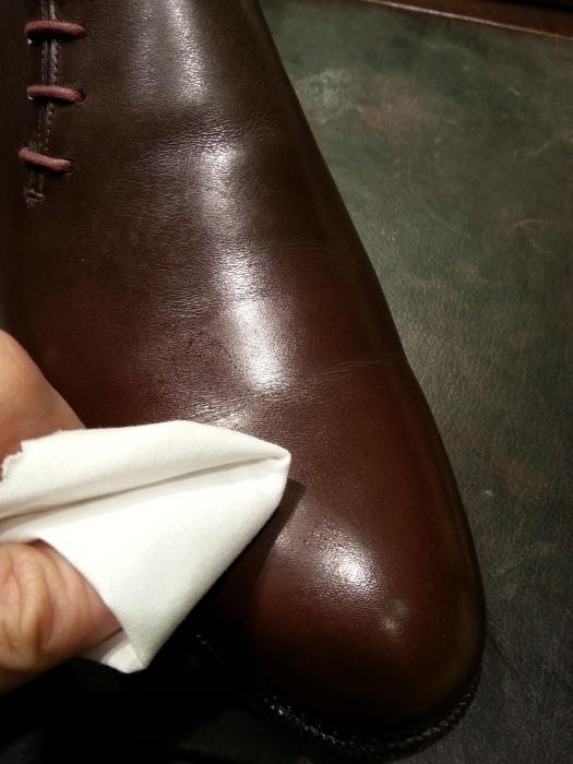 春の始まりに革靴の基本的なお手入れ方法のご紹介です。_b0226322_10550576.jpg