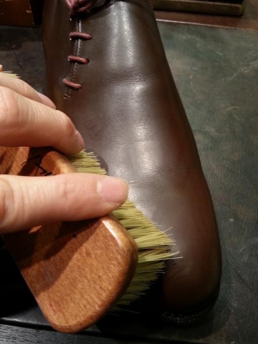 春の始まりに革靴の基本的なお手入れ方法のご紹介です。_b0226322_10550989.jpg
