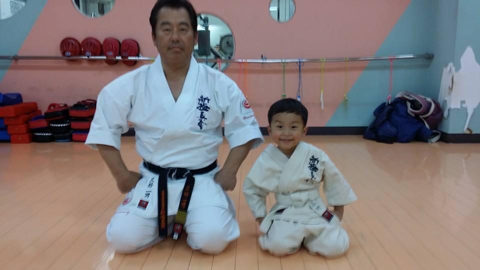 昨年亡くなったお袋さんの命日で、愛媛県新居浜市へ。_c0186691_15122136.jpg
