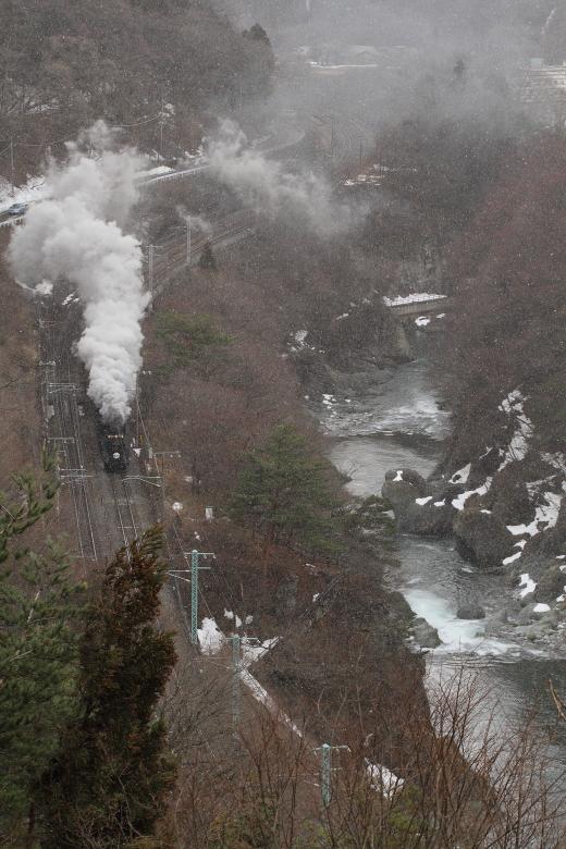 雪舞う諏訪峡をD51が駆け抜ける - 2014年早春・上越線 -   _b0190710_2235632.jpg