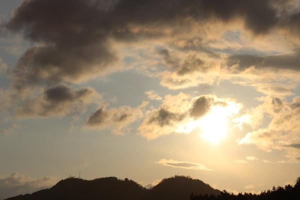 忙しかった「春分の日」の空 Ⅰ_a0174458_1716329.jpg