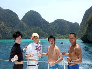 若者たちとピピ島へ!_f0144385_721773.jpg