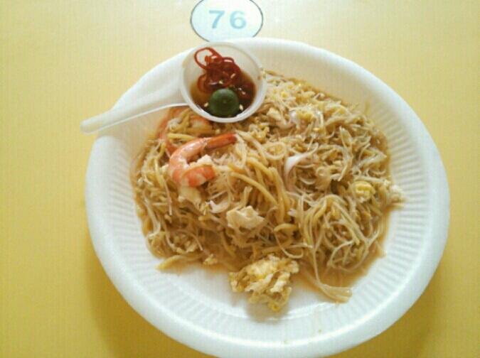 シンガポールの休日☆2日目;オットは南星の麺が好きらしい。_c0212604_5271858.jpg