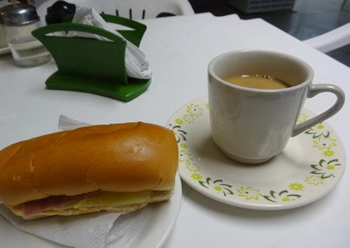 食べるのはもっと飽きるから^^(アマゾンクルーズ,ブラジル)_e0182138_064023.jpg