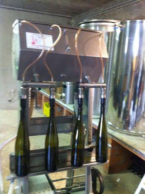白ワインの瓶詰め_d0136540_614480.jpg