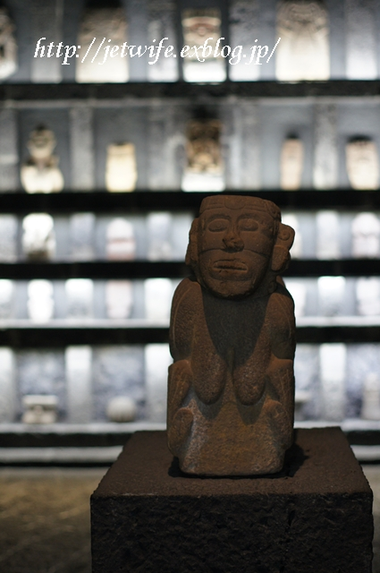 ディエゴリベラの溶岩博物館 Museo Anahuacali_a0254243_8361429.jpg