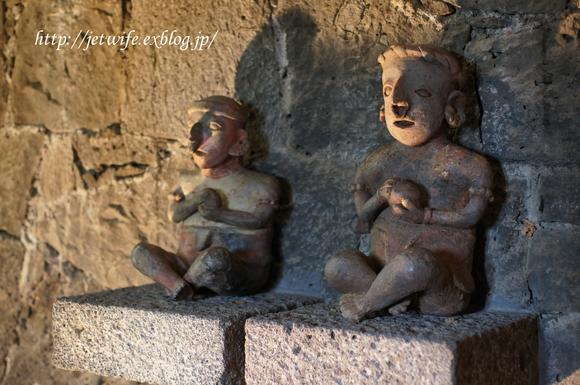 ディエゴリベラの溶岩博物館 Museo Anahuacali_a0254243_840357.jpg