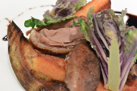 以前好評でした『北海道滝川産の合鴨のコンフィ』を前菜にすると。&3月24日(月)のランチメニュー_d0243849_0365253.jpg