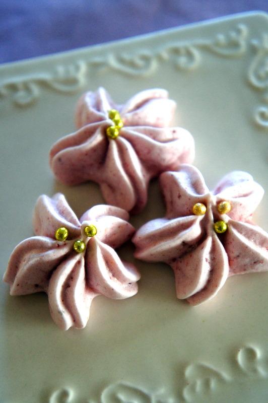 ウエティング 桜のメレンゲ焼き・・_d0210450_21123678.jpg