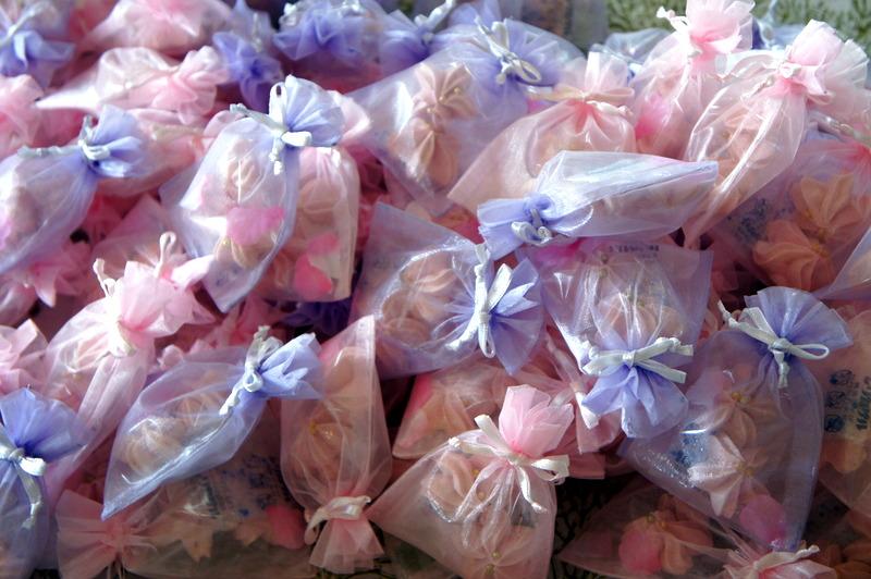 ウエティング 桜のメレンゲ焼き・・_d0210450_21125957.jpg