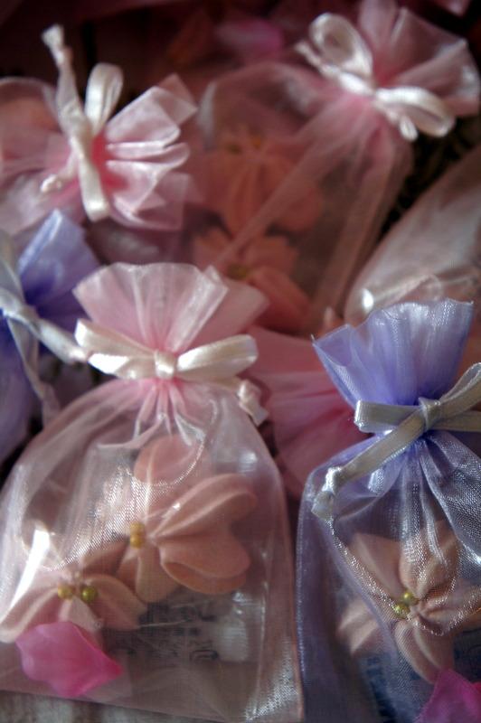 ウエティング 桜のメレンゲ焼き・・_d0210450_2114293.jpg