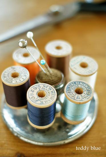 vintage sewing caddy  ヴィンテージ ソーイング キャディ_e0253364_23195666.jpg
