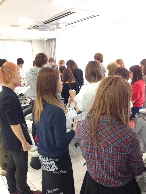 【新入社員】美容師の基本!シャンプーレッスン♪_c0080367_19434717.jpg