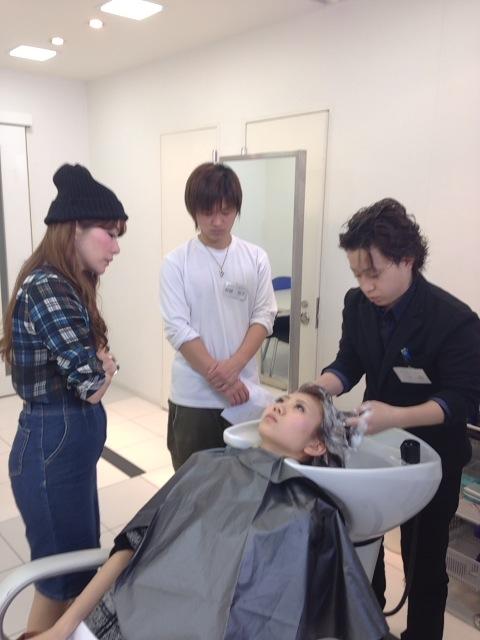 【新入社員】美容師の基本!シャンプーレッスン♪_c0080367_19442468.jpg