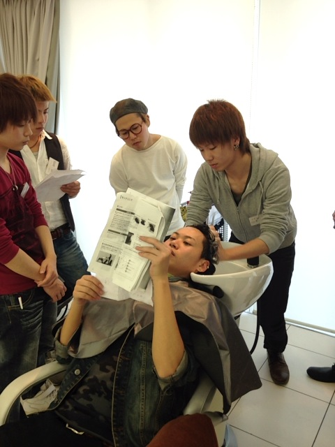 【新入社員】美容師の基本!シャンプーレッスン♪_c0080367_1949774.jpg