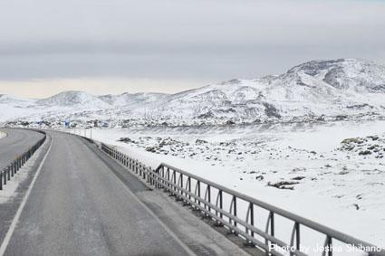 アイスランド・エアウエイブス(15) ムームのバス・ツアー、地熱発電所や名物エビ料理も!_c0003620_2142691.jpg