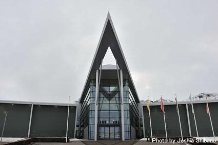 アイスランド・エアウエイブス(15) ムームのバス・ツアー、地熱発電所や名物エビ料理も!_c0003620_2153066.jpg