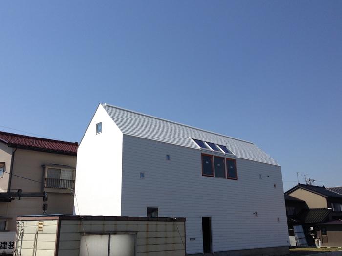 漆喰壁のファサード 完成!!_e0189939_2281938.jpg