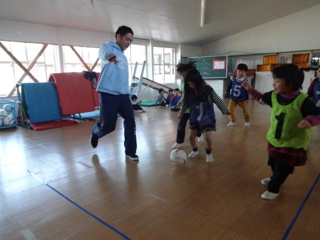 最後のサッカー教室_d0166047_11452093.jpg
