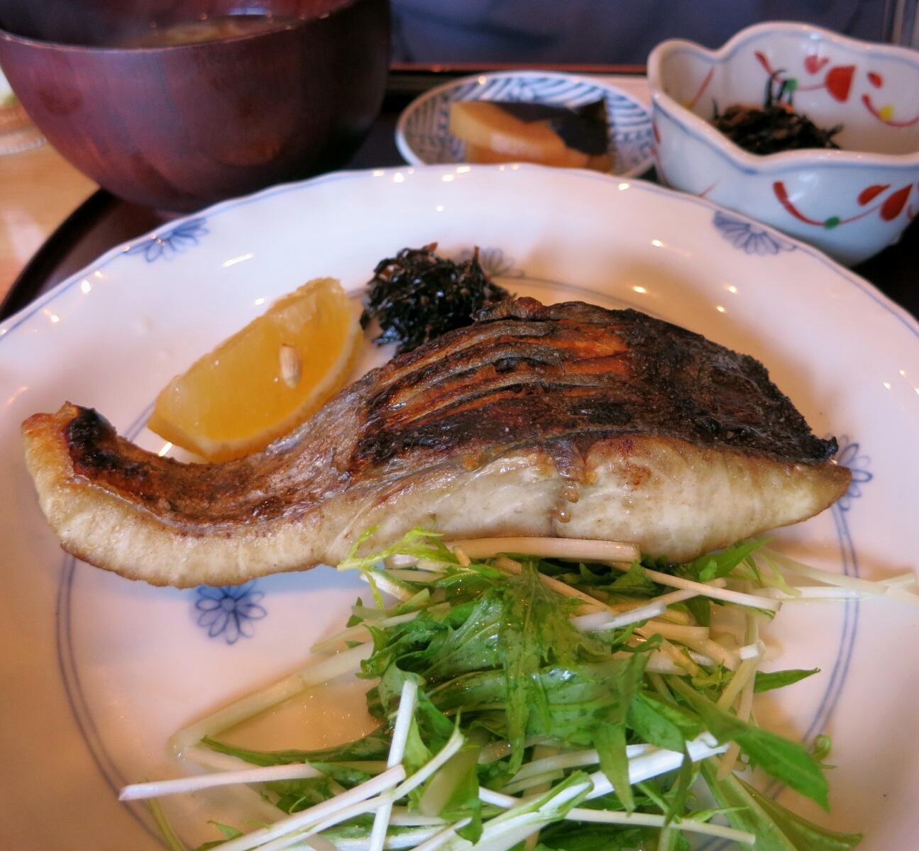 お料理 いけだ『炭火焼き定食・魚』 @佐久 _f0236260_22444120.jpg