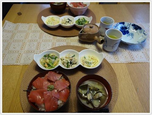 今夜は鉄火丼_b0175688_23213993.jpg