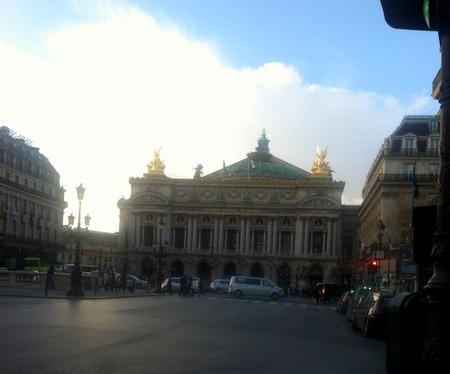 パリのアパルトマン到着 & ネオビストロへ!_f0141419_12081340.jpg