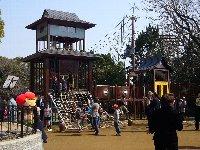 五月山動物園が少し大きくなってりニューアルオープン♪ちびっこ広場は忍者の館に変身♫_c0133422_0251465.jpg