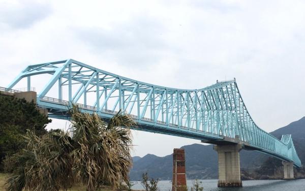 思いがけなく、すごくきれいな橋を見た_d0027243_1030982.jpg