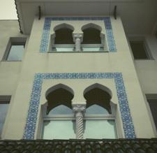 異国建物(アルジェリア大使館)と近況報告_b0087556_23174279.jpg