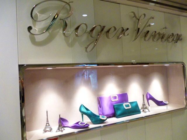 Roger Vivier  HONGKONG  SHOP REPORT_b0210699_23231989.jpg