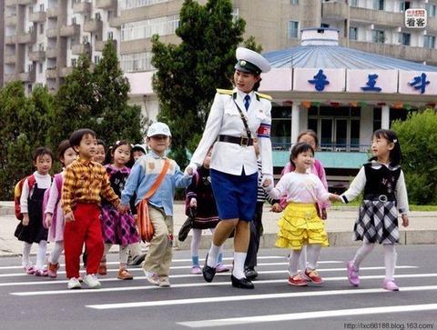 「最近の北朝鮮の風景」を見ても何もわからない韓国人:これは法則来るな!_e0171614_915592.jpg
