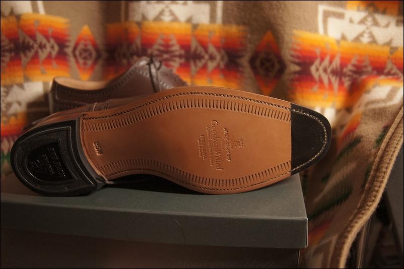 スコッチグレインの革靴を買って思ったこと。_b0024832_23162894.jpg