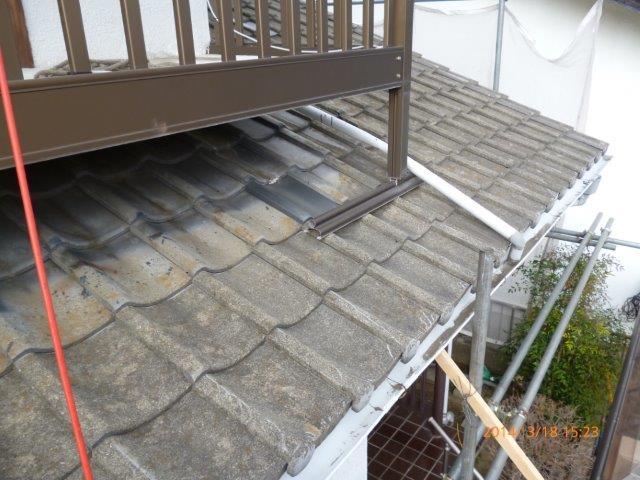 瓦の屋根を葺き替えています_e0207151_18152618.jpg