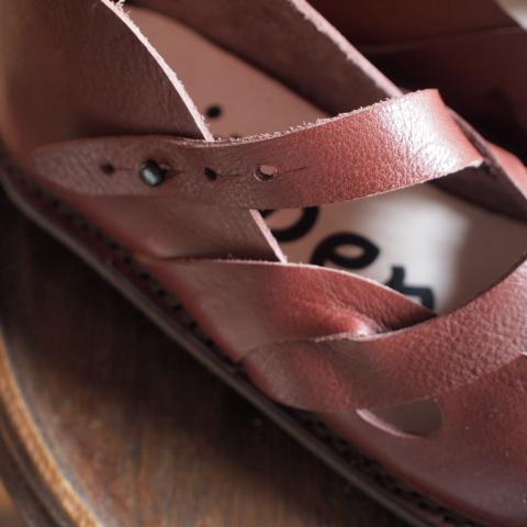 お靴色々入荷中_d0228193_17353178.jpg