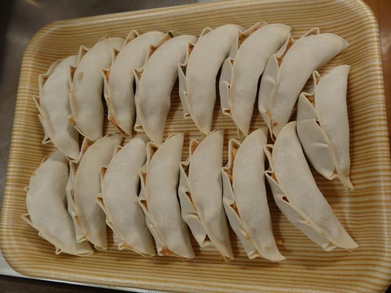 この日は餃子に焼売、春の香りの天麩羅に鮑釜飯です。_c0225997_7571679.jpg