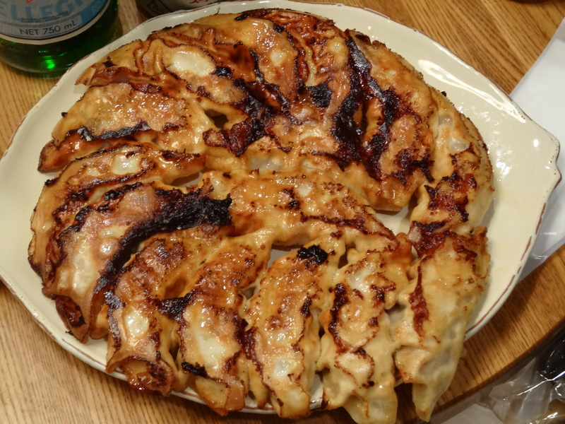 この日は餃子に焼売、春の香りの天麩羅に鮑釜飯です。_c0225997_759773.jpg