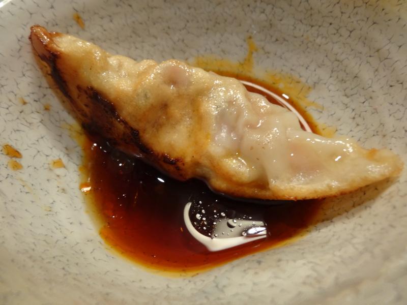 この日は餃子に焼売、春の香りの天麩羅に鮑釜飯です。_c0225997_805174.jpg