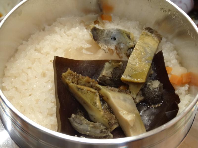 この日は餃子に焼売、春の香りの天麩羅に鮑釜飯です。_c0225997_8554248.jpg