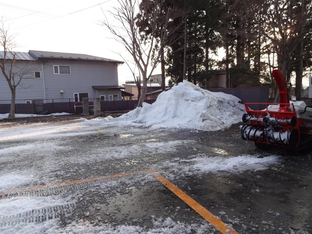 神社庁に・融雪作業に_c0111229_18295512.jpg