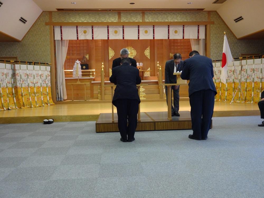 神社庁に・融雪作業に_c0111229_1829638.jpg