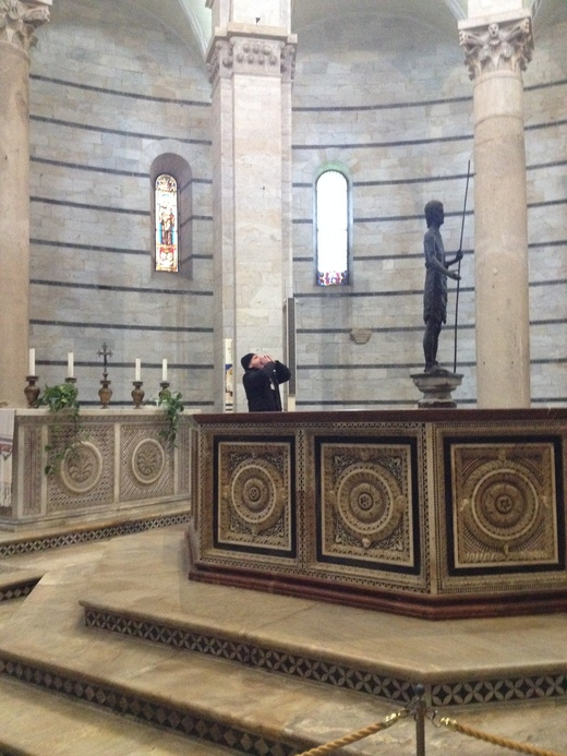 26/03/2014 ピサの洗礼堂の音響効果とドゥオモの卵_a0136671_120568.jpg