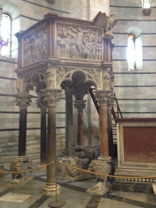26/03/2014 ピサの洗礼堂の音響効果とドゥオモの卵_a0136671_132493.jpg